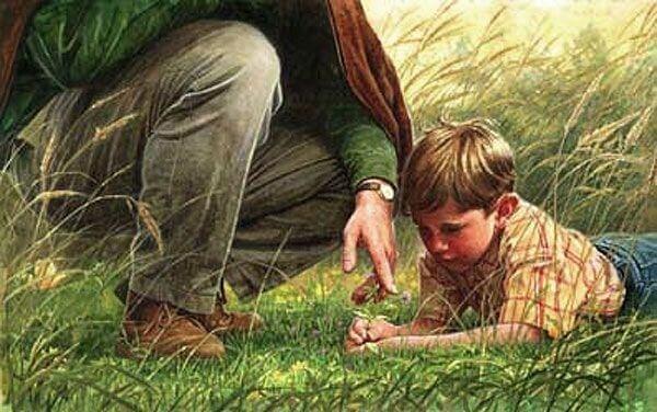 Isoisä pojan kanssa luonnossa