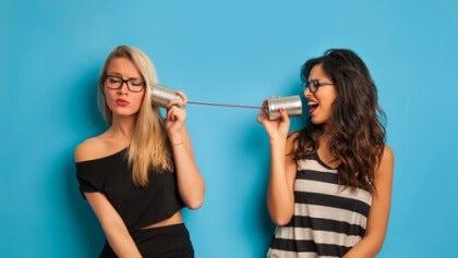 Aktiivinen kuuntelu tyttöjen välillä