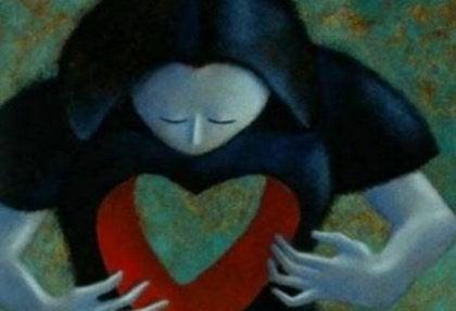 Naisella sydämen paikalla aukko