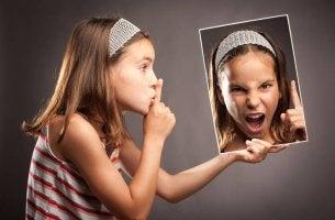 Tyttö ja viha