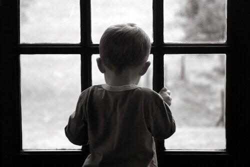 Keinoja jättää vaikea lapsuus menneeseen