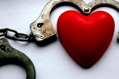 Käsiraudat ja sydän