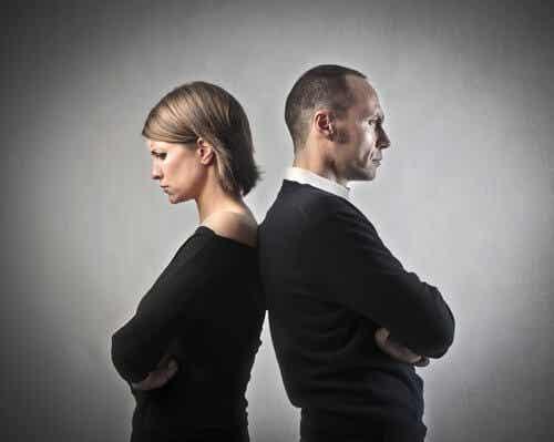 7 syytä sille, miksi onnettomat parit pysyvät yhdessä