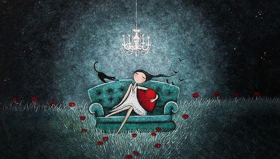 Tyttö sohvalla
