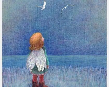 Tyttö katsoo lintuja