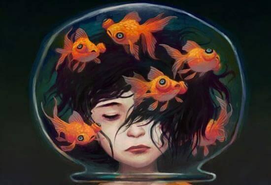 Akvaario tytön pään ympärillä