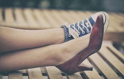Käänteinen psykologia eriparin kengät