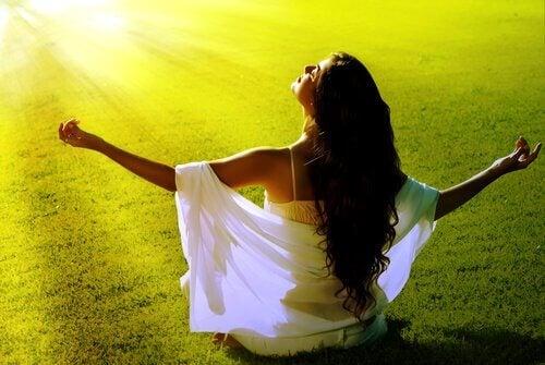 13 ajatusta, jotka auttavat sinua saavuttamaan onnellisuuden
