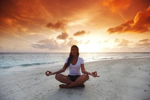 Meditointi rannalla
