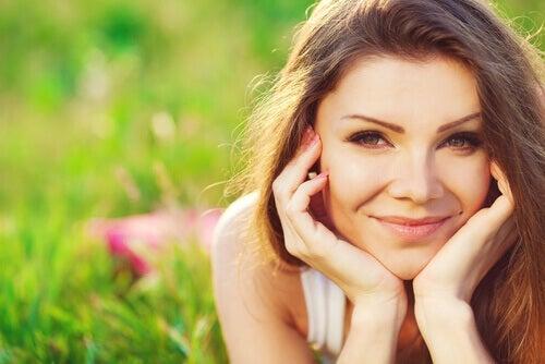 Naisen hymy