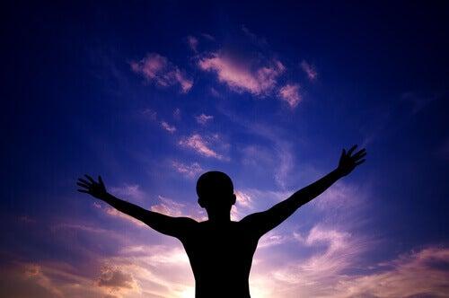 5 pahaa tapaa, jotka menestyvät ihmiset jättävät taakseen