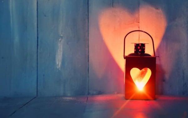 Rakastamalla yksinoloa olet parempi kumppani