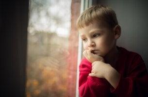 Surullinen poika kontrollointi