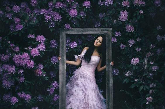 Nainen kukat