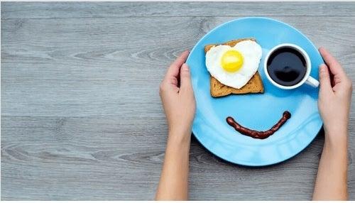 iloinen aamiainen
