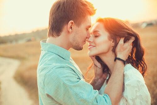 Rakastelu on myös yhdessä nauramista