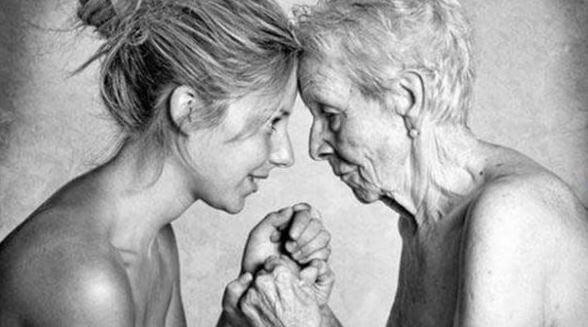 vanha ja nuori nainen