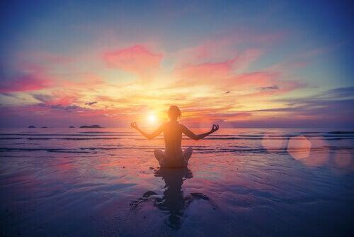 auringonlasku meditaatio
