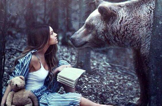 Karhu ja nainen