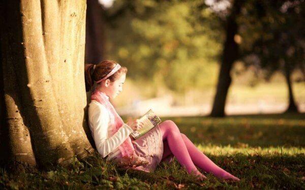 Lapset oppivat rakkauden lukemiseen vanhemmiltaan
