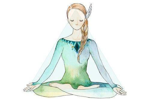 nainen meditoi