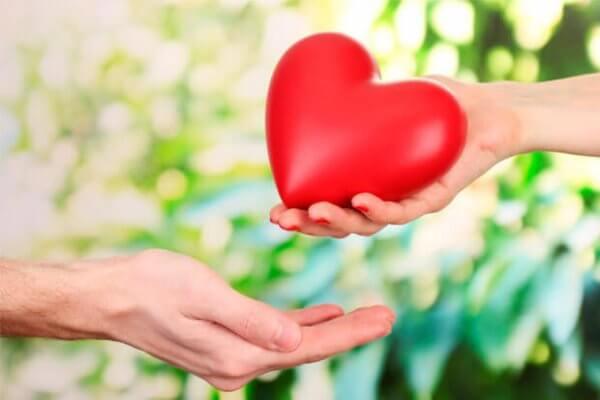 Kasvata ehdotonta rakkautta parantaaksesi kumppaniasi