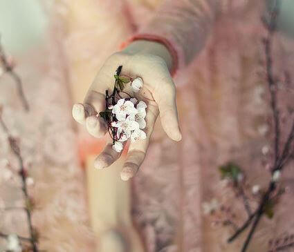 Kukat kädessä