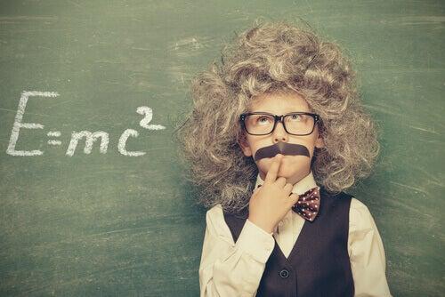 Kuinka ratkaista ongelma Einsteinin mukaan