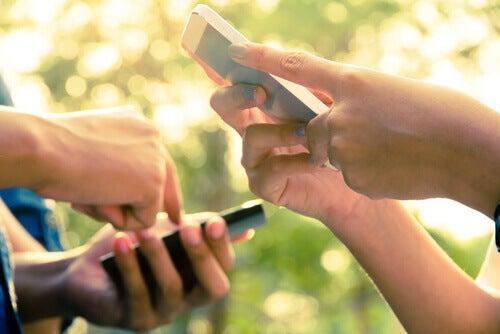 Älypuhelimet ja kiire