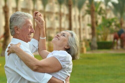 Nuori 90-vuotiaana tai vanha 18-vuotiaana