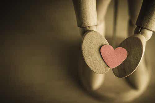 """On vaikeaa sanoa """"hei"""", kun haluat huutaa """"rakastan sinua"""""""