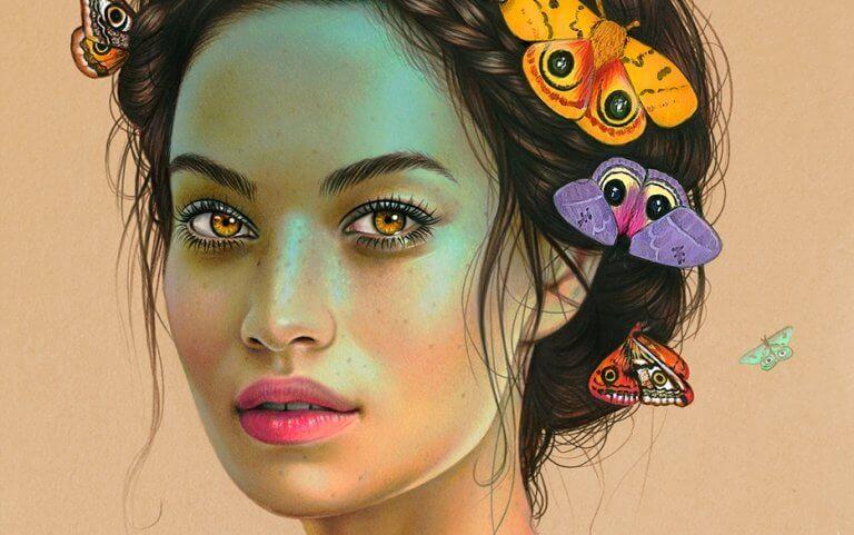 Naisella perhosia päässä