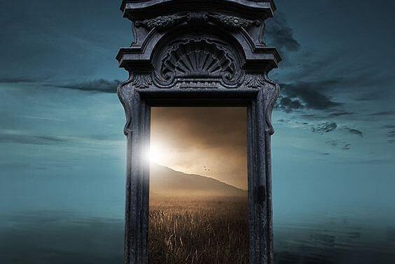 Ovi sulkeutuu