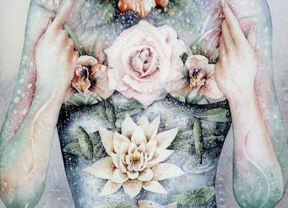 Kukat naisen rinnuksilla
