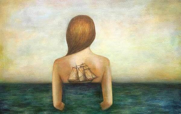 Laiva naisen selässä