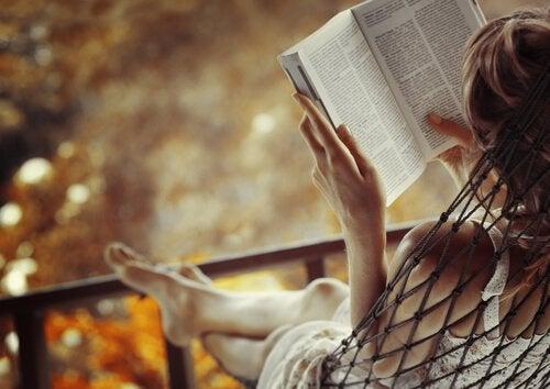 Mitä aivomme luovat kun luemme