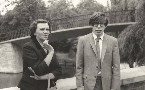 Hawking nuorena