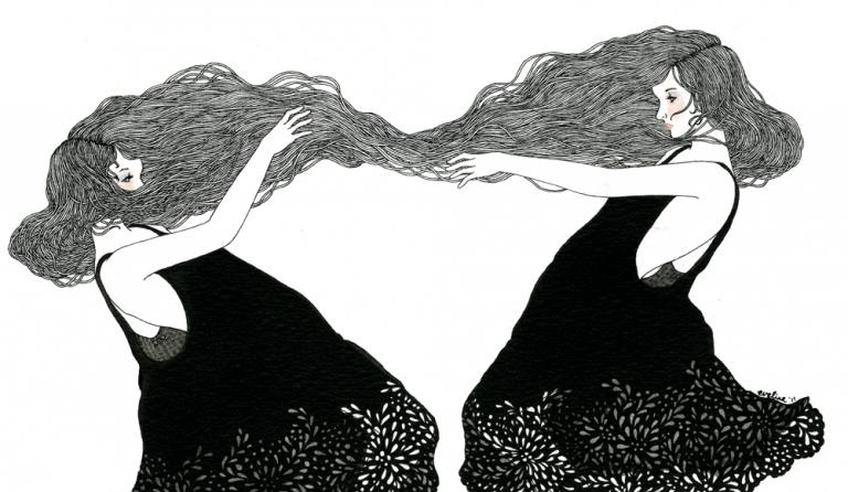 Naisten hiukset yhdessä