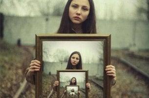 Mikä määrittelee tytön