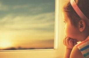 tytön silmissä toivo