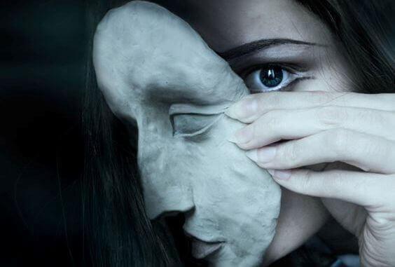 Tunteiden tukahduttaminen on maksasairauden riskitekijä