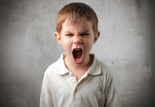 7 strategiaa, jotka opettavat lapsille impulssien kontrolloimista