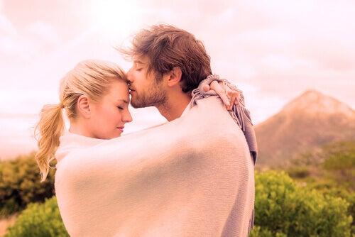 7 tapaa lisätä oksitosiinitasojasi