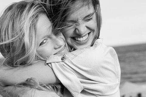 onnelliset naiset