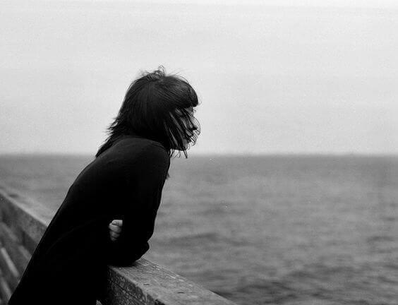 suru ja yksinäisyys