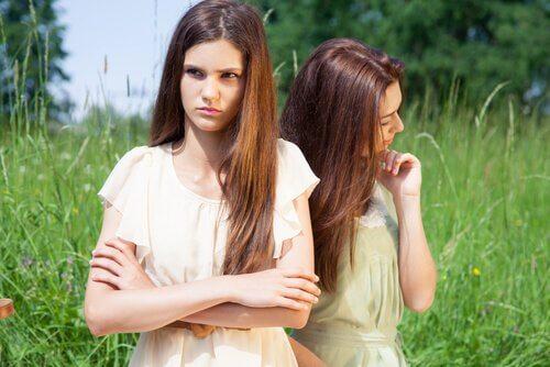 tyttöjen heikko tunneäly