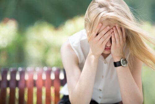 4 idioottivarmaa menetelmää voittaa ahdistus välittömästi