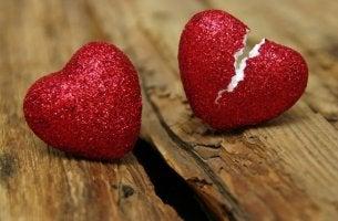 uskottomuus ja rikkoutunut sydän