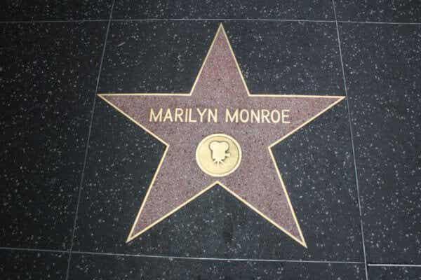 Marilyn Monroe: psykologinen kuvaus rikkinäisestä nukesta