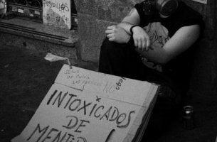 valheet ja miehen protesti